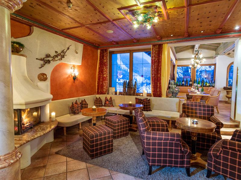 kaminhalle wellnesshotel bergland